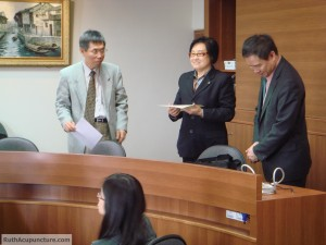 Dr li chun Huang is giving a Auricular Medicine seminars